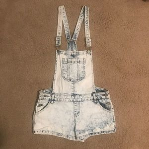 Bebe white washed denim overalls - Size 29